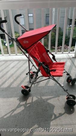全新电动摇椅,儿童轻便推车,太阳帽,各种床头玩具,音乐玩具,衣服,书,拼版等