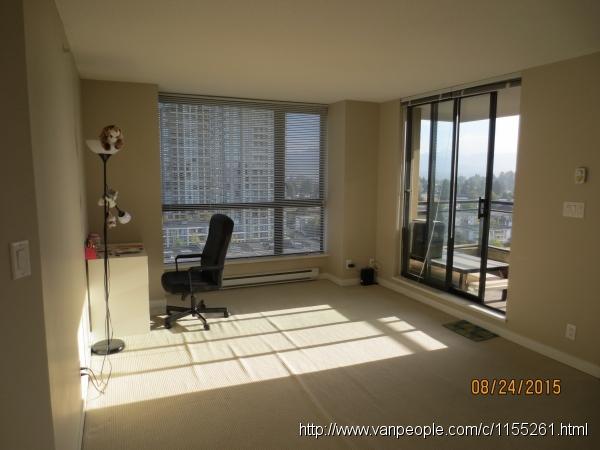 Edmonds天车站附近高层公寓一个房间出租,独立卫生间(限女生)