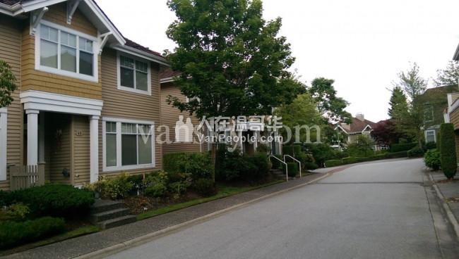 拎包入住适合新移民家庭townhouse整栋出租4房2.5卫,含家具家电,近deerlake