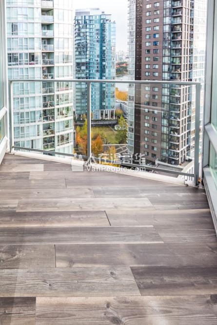 Azura 2 Vancouver False Creek 2间卧室和书房和2个浴室公寓 1138平方英尺 $3500