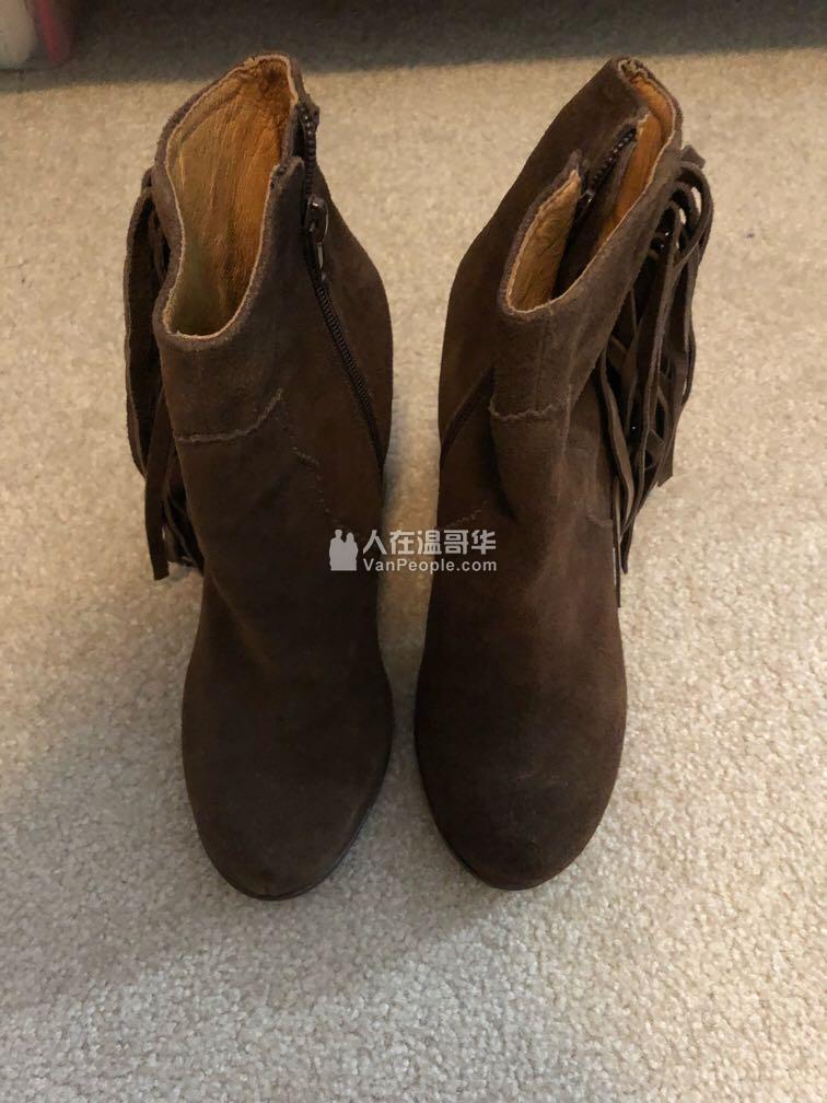 转全新麂皮靴子