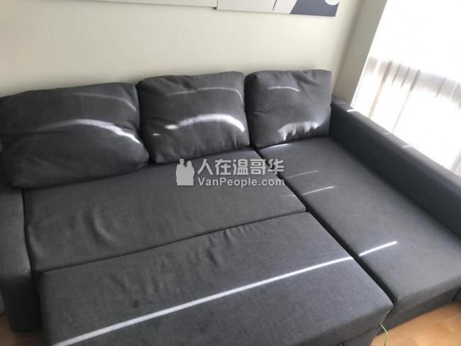 出售八成新沙发,可伸开当沙发床