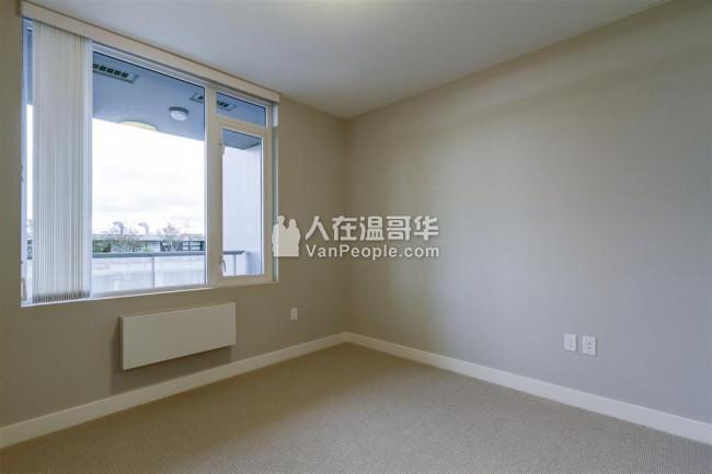 SFU山上 一房一卫一书房,书房超大可当卧室,如新高层,月租$1900