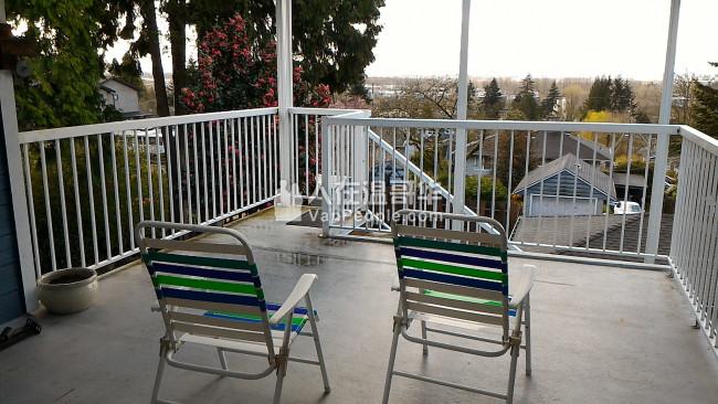 近Metrotown独立屋二层1房,即时入住, 月租$650(自选三餐) 或Homestay。限女生。