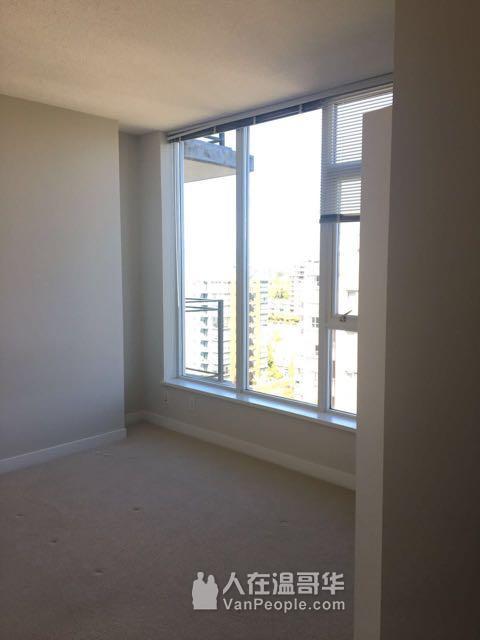 Richmond Centre东南双面corner朝向 两室带空调公寓出租