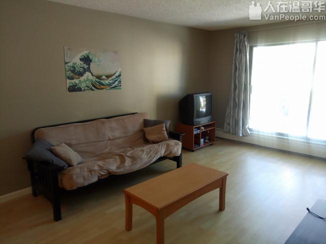 列治文中心地带两房公寓出租 带家具随时入住