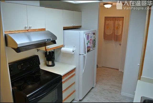 Lougheed 水泥高层公寓-1个主卧出租