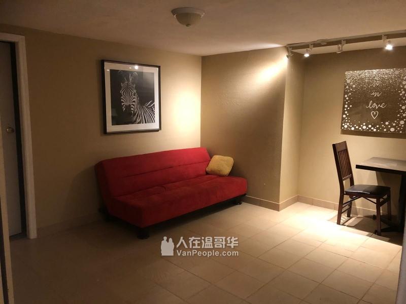 近SFU三房或單房出租