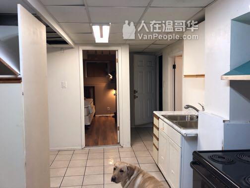 Metro附近半地下2房一厅一卫出租
