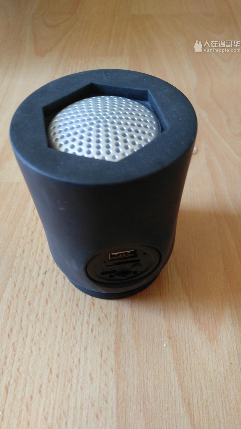 蓝牙音箱(支持U盘,micro SD)