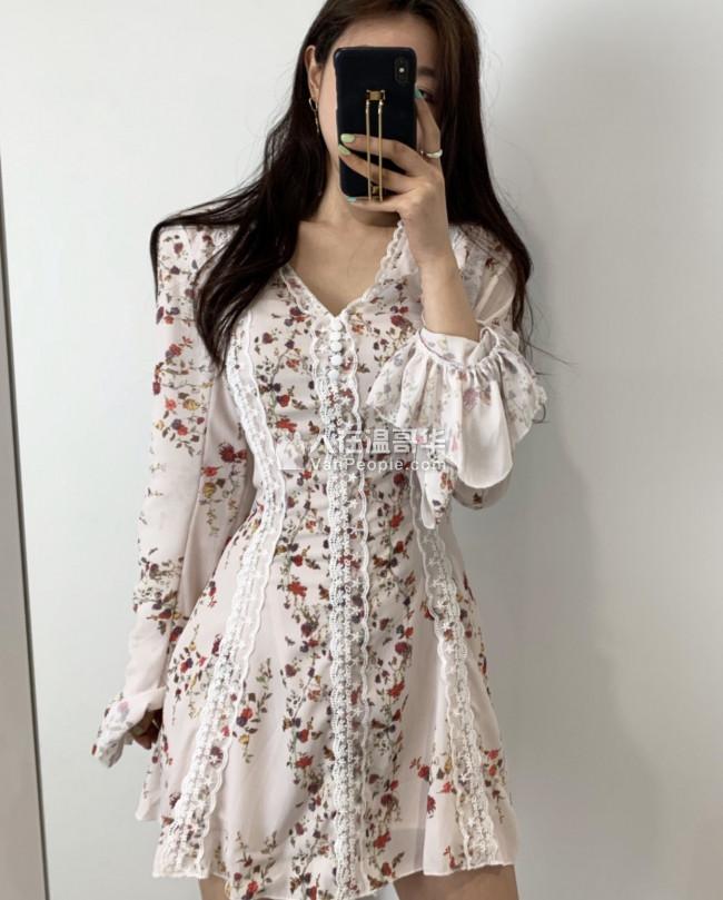 韩国购物中心新装 dress, blouse new one