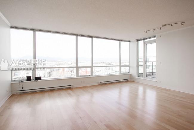 出租: 列治文中心高層頂樓3房3衛公寓