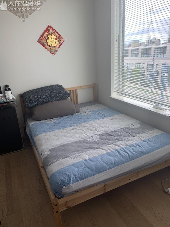 double床和床架整体出售 一共150加币 买到就赚