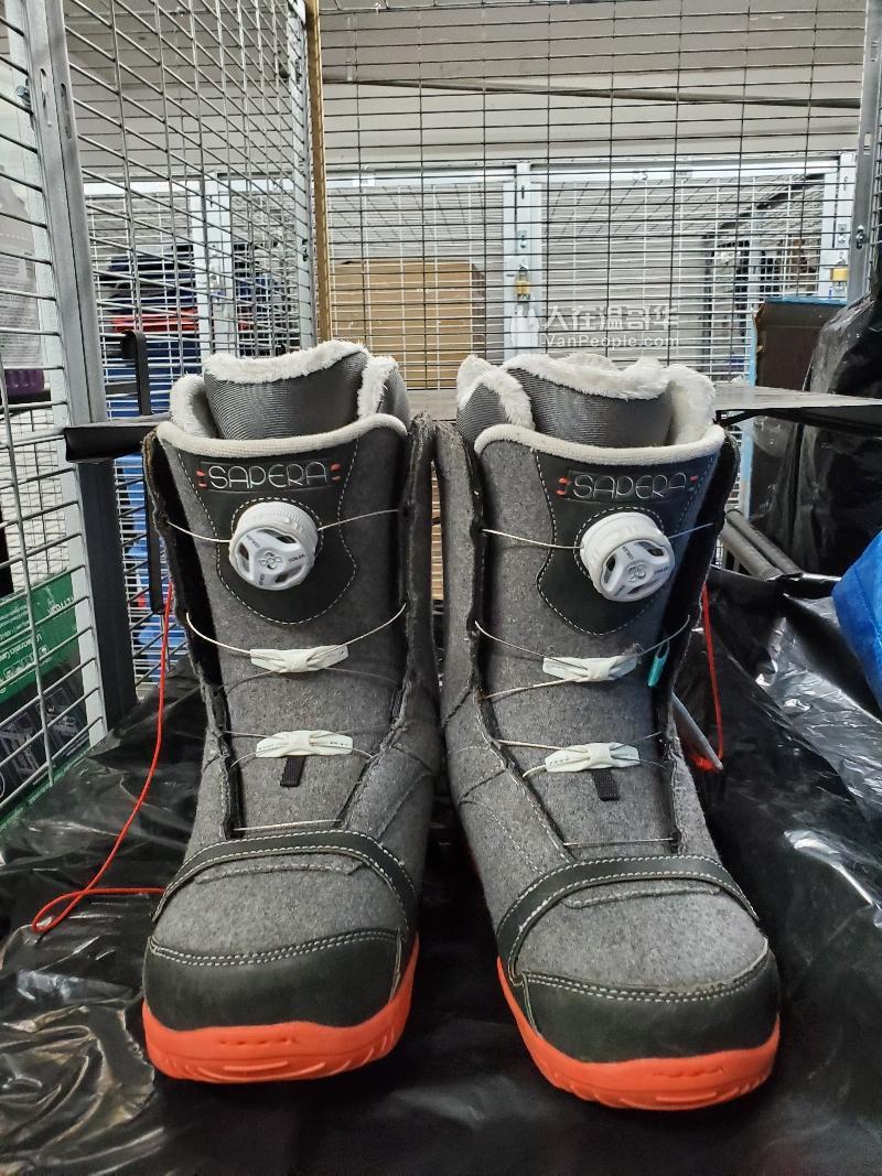 女款雪板 143cm 雪鞋38码