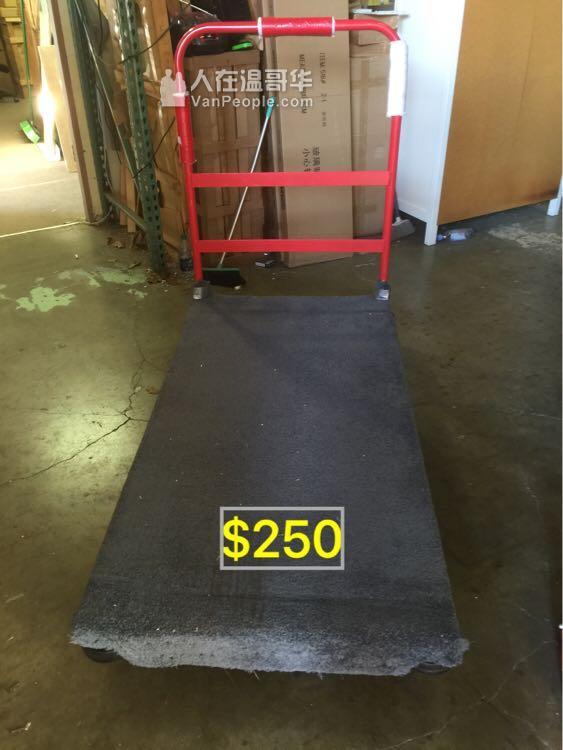 貨倉用heavy duty A型梯,原價$2000 現低價$300 另有大型推車,烈治文