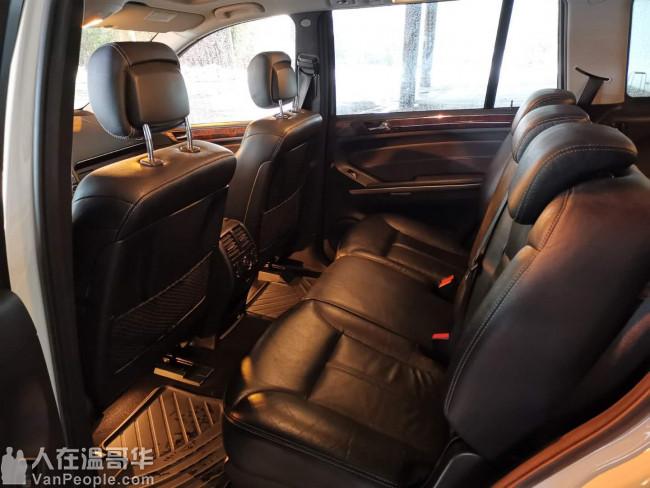 2009年奔驰GL450 4.7L V8发动机 本地车无事故 超低里程数