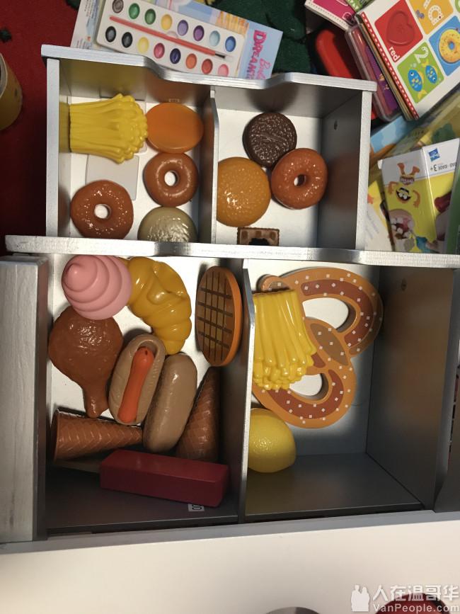 出售8成新儿童食物玩具实木推车