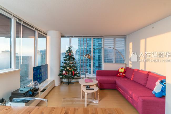 温哥华市中心Downtown 全面翻新 850尺 两房两卫 带家具公寓出租