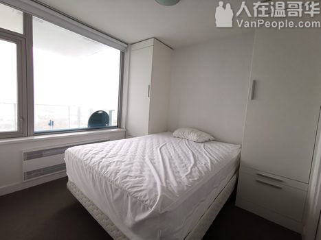 温哥华大统华楼上, 高層1房1卫公寓出租,有家具