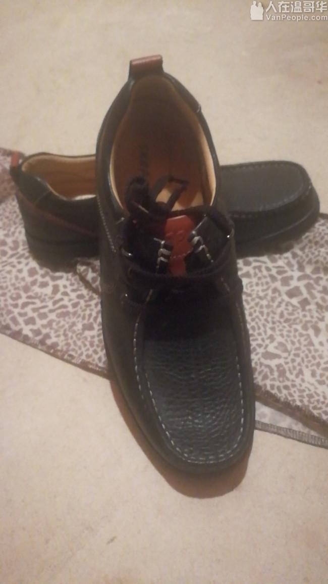 SKAP品牌42码男鞋,9.9成新,正版。