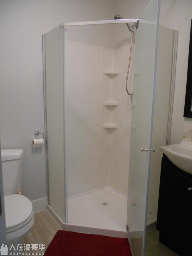 列市中心Blundell夹3号路新独立屋大套房出租,长租或短租