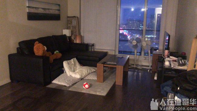 紧邻Burnaby Edmonds天车站附近高层2房2卫公寓副卧出租,包全套家具,拎包入住