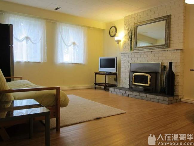 Richmond 三號路旁 獨立屋一樓出租 $1400