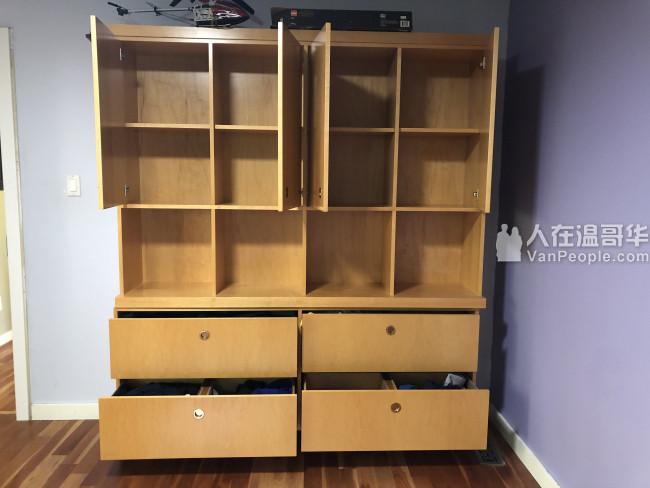 出售非常实用的实木复合组合柜$180