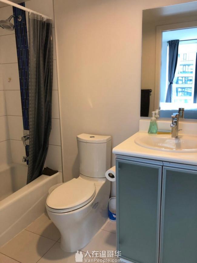 温哥华DT公寓出租主卧室11月1号开始