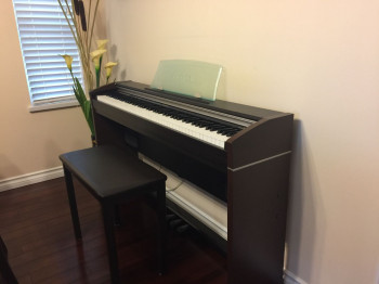 Casio PX700 Privia digital Piano with bench 电子钢琴
