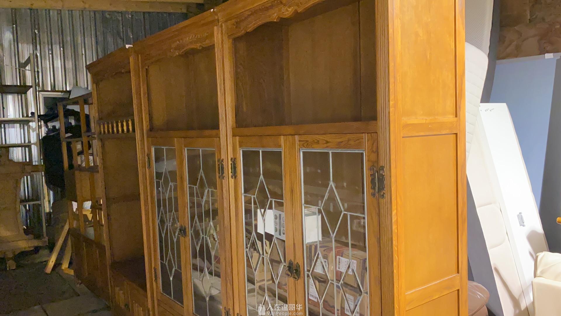 实木酒柜,装饰柜,沙发,桌子等