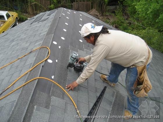 屋顶及雨水沟(槽)清理和修补,苔藓清除,房屋外墙清洁,天窗及外墙玻璃清洁,高压水冲洗,商业及家庭清洁