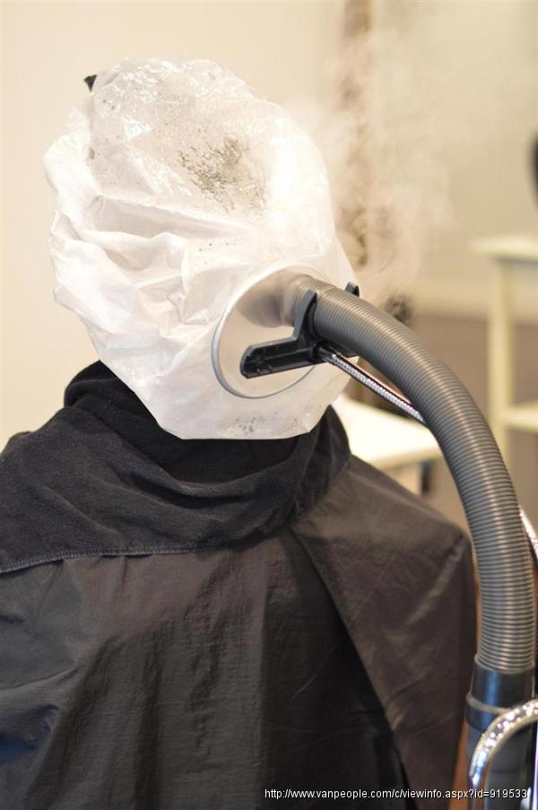 列治文日本純正美容美髮店,由日本資深專業髮型師Yoshi 和Yoshimi主理