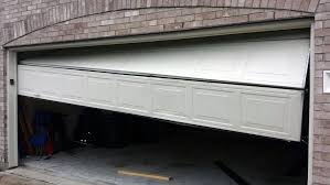 大温哥华地区 车库门、自动门安装维修,7/24服务!质优价廉,有质保,赠维护;