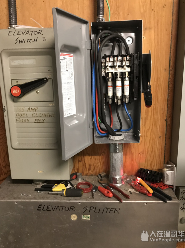 找靠谱的大温地区电工,请马上☎️778-229-6255   华拓电力,真正为您省心省钱的电力公