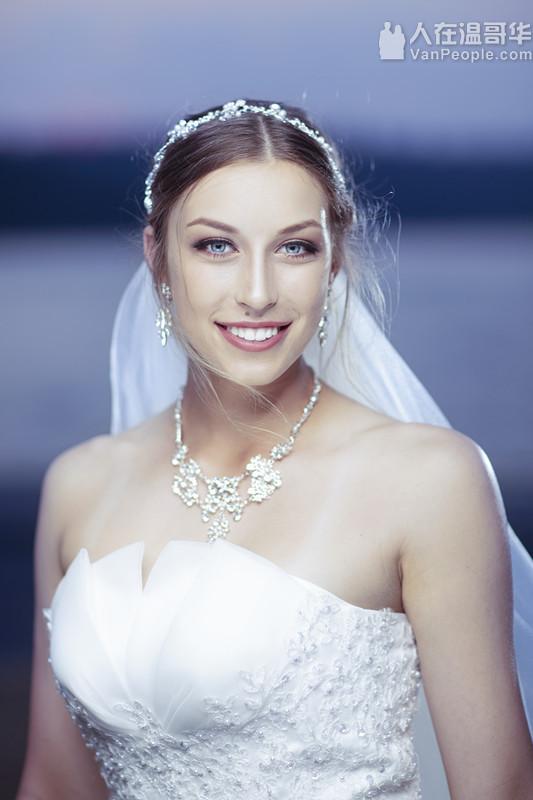 Ora Chen温哥华专业化妆师兼美睫师,提供睫毛嫁接的服务