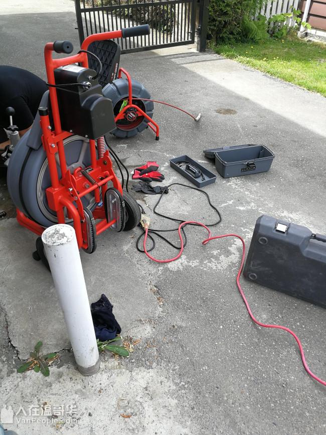 鹏达水暖 管道漏水抢修,水管暖气工程和煤气管道工程。漏水紧急抢修!