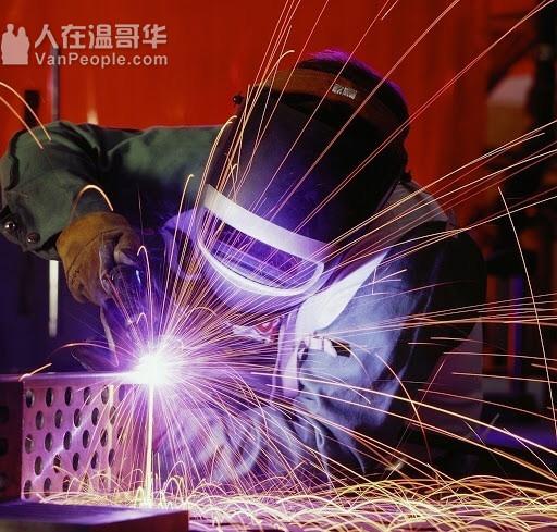 高薪行业挖机班、电焊班。叉车班招募学员,就业培训,提供实习 推荐工作
