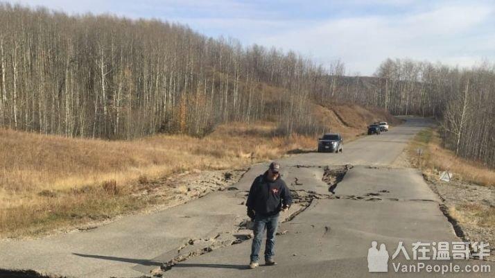 紧急 | 山体滑坡持续2周,BC省小镇紧急全体撤离!