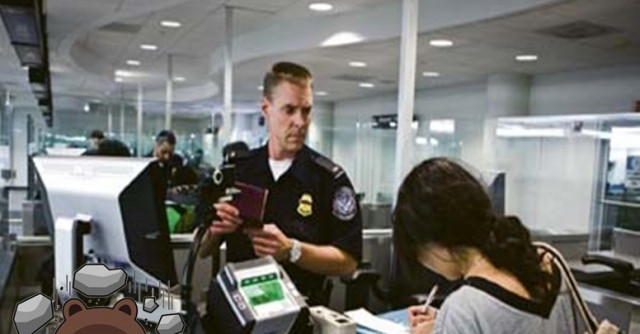 中国留学生到美国加油 返回加拿大时被遣返