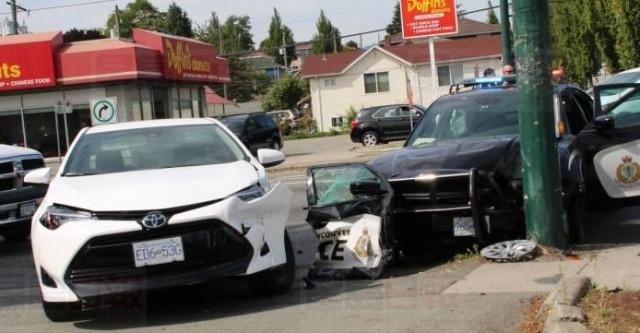 温哥华发生涉及警车的交通意外 两名警员受伤
