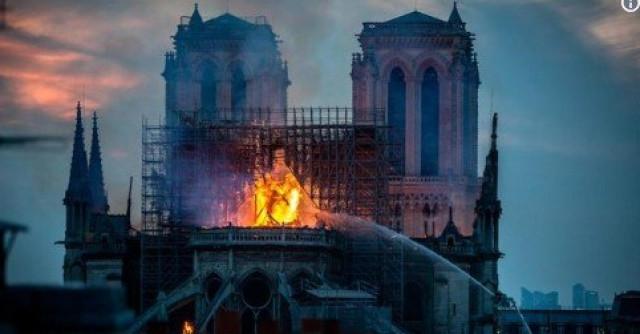 法国巴黎圣母院大火之后,中国工程何以遭嘲讽